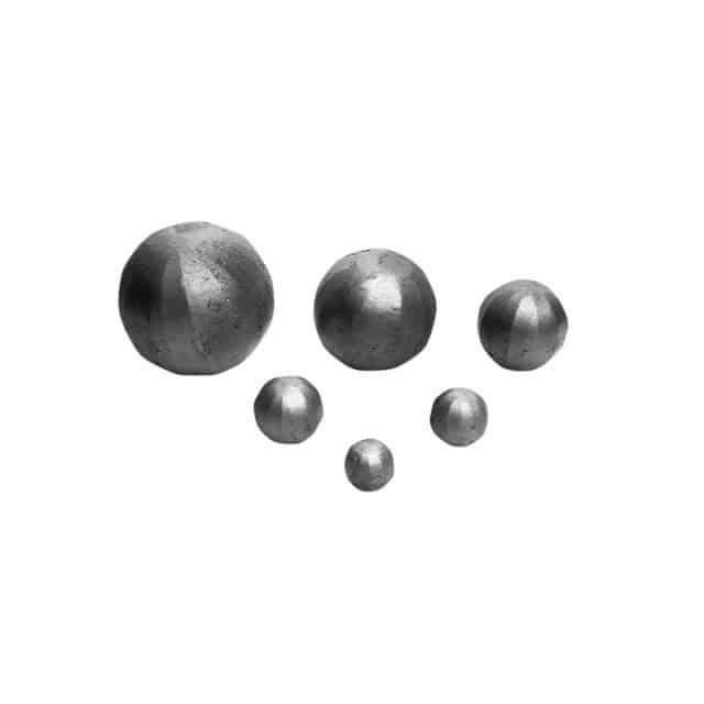 Taottu pallo. rautapallo, iso valettu pallo, iso rautapallo, pieni valettu pallo, pieni rautapallo.