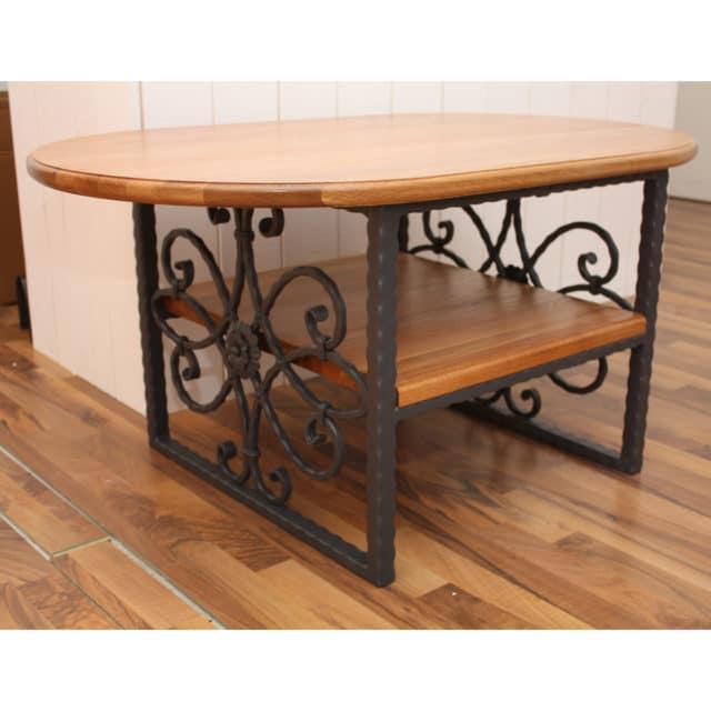 Sohvapöytä takorautaa, harmaa metallirunkoinen pöytä